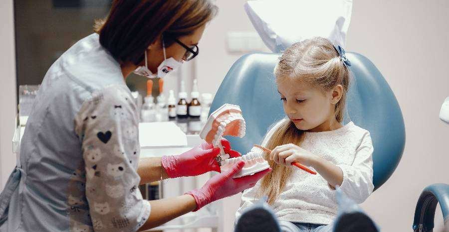Hogyan előzzük meg a fogszuvasodást gyermekeknél?