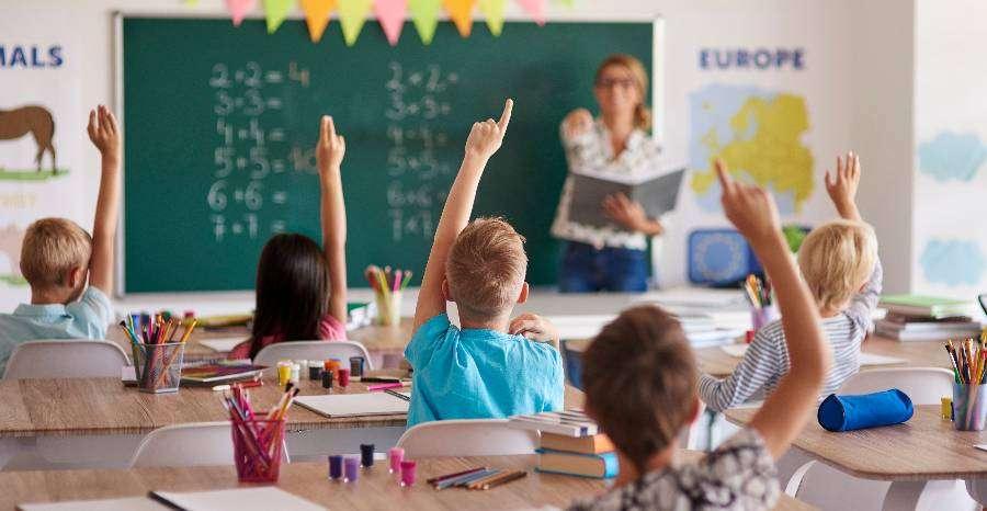 Hogyan segítsünk az iskolafóbiás gyermeknek?