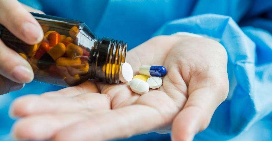 Gyógyszerszedés nyáron – mire érdemes odafigyelni?
